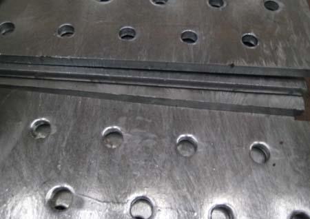 Sản xuất tấm kim loại đột lỗ từ thép mạ kẽm nhúng nóng